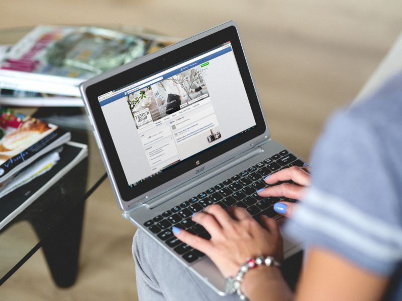 A Year After Facebook's Big News Feed Algorithm Change, What Kind of Content Does Best?